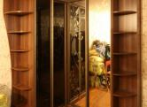 Зеркальный шкаф-купе угловой, ЛДСП (Egger) Орех Аида табак