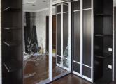 Угловой Г-образный шкаф-купе, двери зеркало+дсп+рисунок